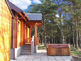Luxury holiday log cabins accommodation in speyside moray Log cabins with hot tubs scotland